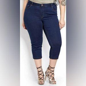LOVE & LEGEND Skinny Cropped Capri Dark Wash Jeans